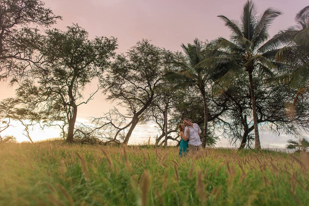 engagement photos with palm trees
