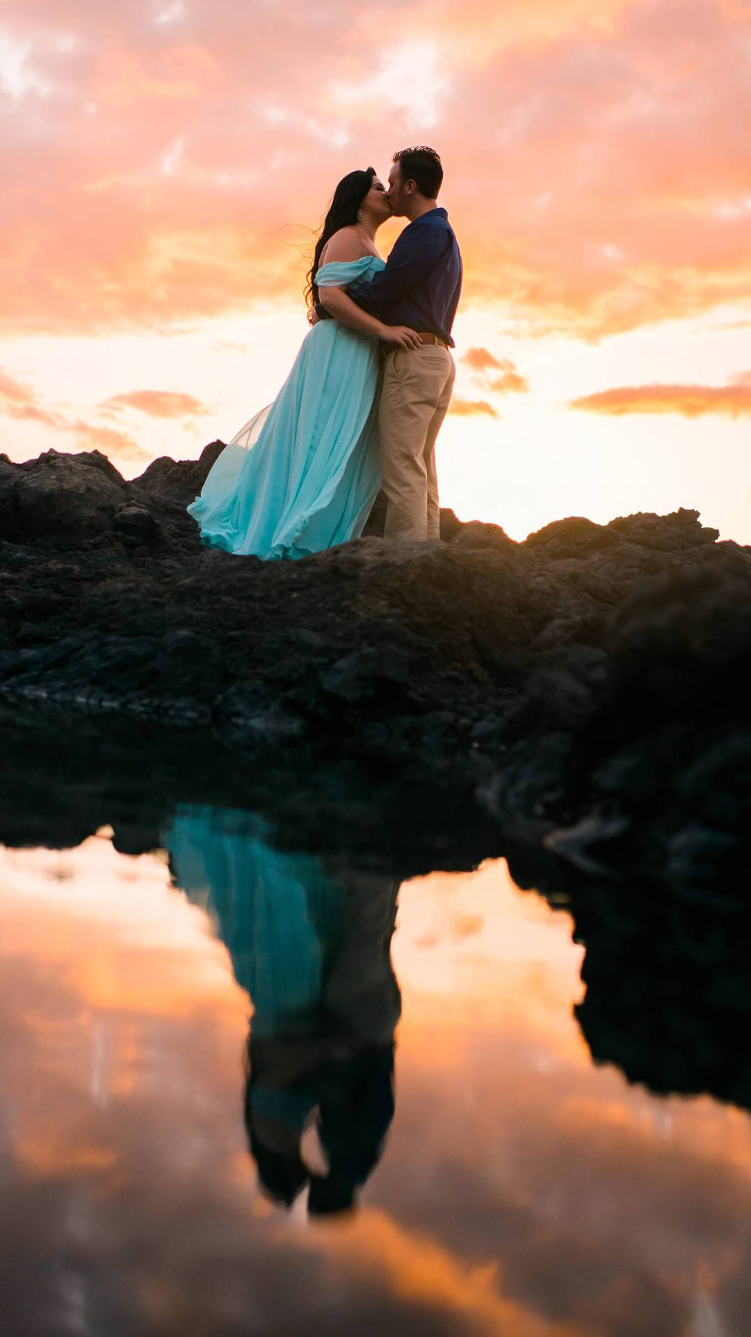 sunset photo in maui of a couple