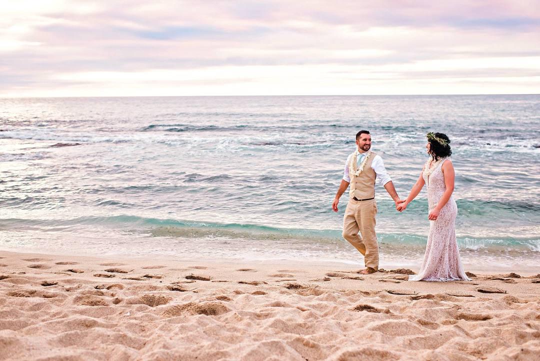 wedding portraits at kukio beach