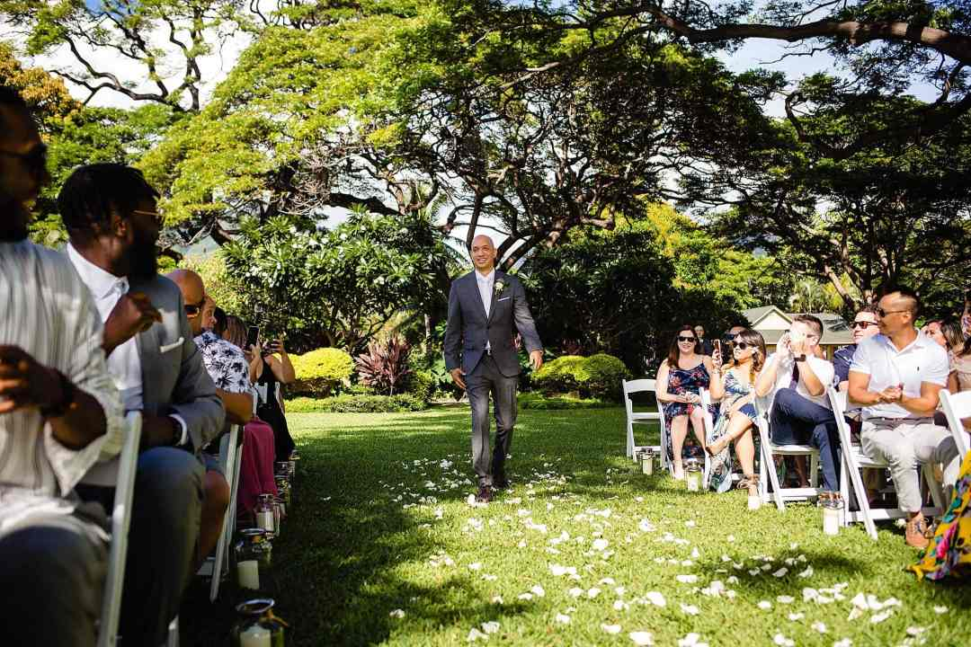groom walking down the aisle at olowalu plantation house