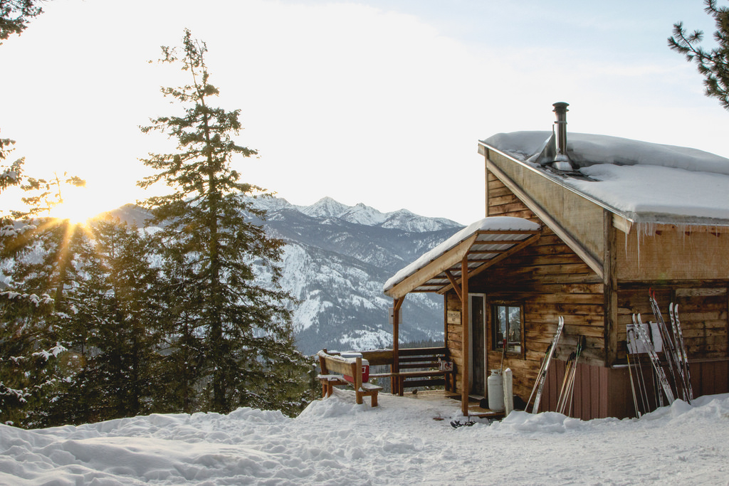 Washington's Methow Rendezvous Huts: Learning How to Cross-Country Ski