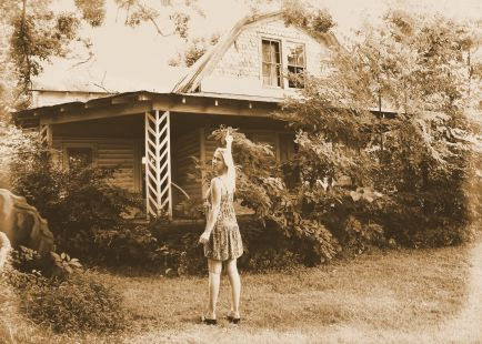 img_4862-tommie-and-an-abandoned-house-albumen