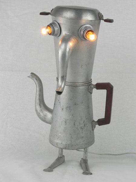 Cafman. Détournement de cafetières en aluminium.