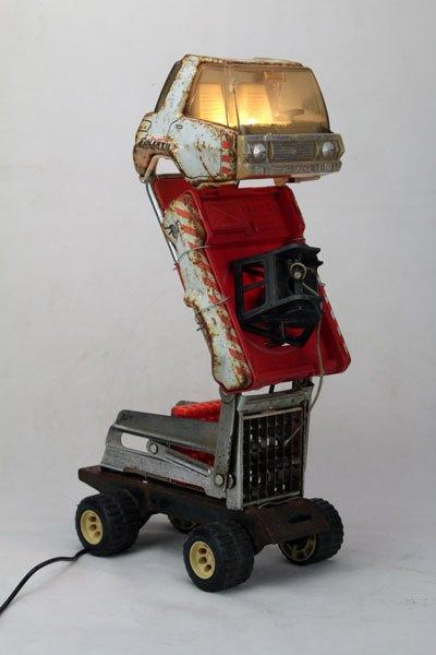 Joustra44. Sculpture lampe Camion frite. Vieux camion Joustra.