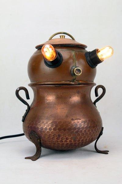 Marmivre. Sculpture objets populaires en cuivre, décoration rustique.