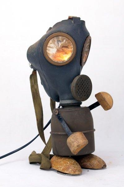 Maskagaz. Sculpture masque à gaz de la seconde guerre.