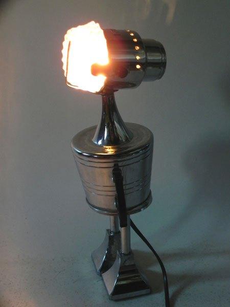 Meman. Sculpture lumineuse service à café avec sucrier, ramequin, filtre et deux morceaux de coupe de sport.