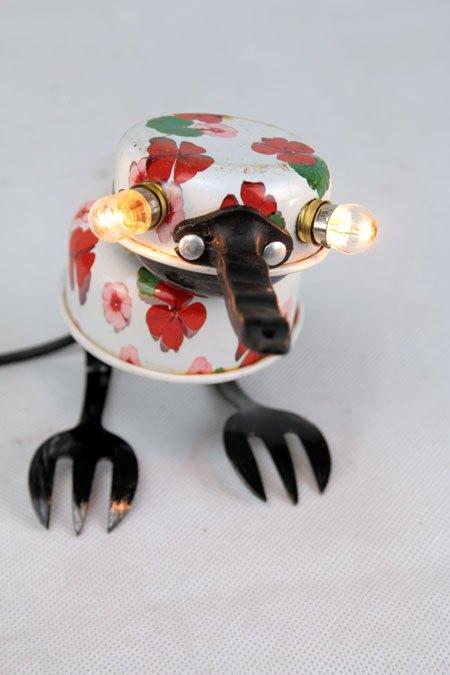 Oineau. Sculpture oiseau dînette.  lampe curieuse