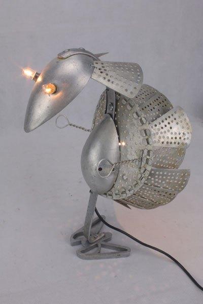 Panlu. Oiseau détournement d'objets de cuisine. Assemblage