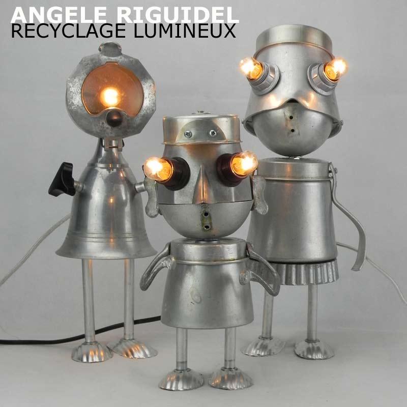 Sculptures personnages en aluminium. Assemblage cafetière, louche, pot, coupe timbale. Lampes