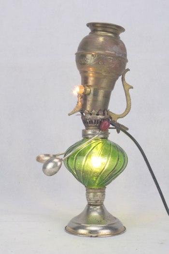 assemblage sculpture personnage laiton et verre vert.