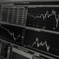 ¿Cómo se relaciona las finanzas con la economía?