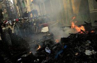 mideast-egypt-muslims burn church