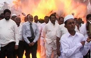 sri-lanka-suicide-bomber-on-video