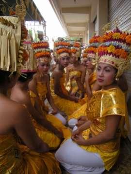 DancersWaiting