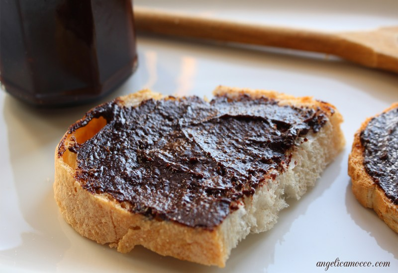 Nutella fatta in casa vegan senza lattosio