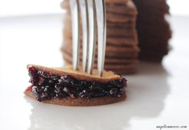 pancake-alla-carruba-e-cacao-senza-glutine