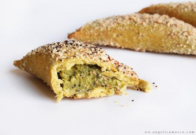 sofficini di farina di piselli con ripieno di broccoli