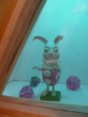 Kids: find the rabbit in the Granary