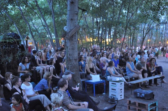 Recent screening of The Real Dirt on Farmer John in a Berlin park, Prinzessinnengarten