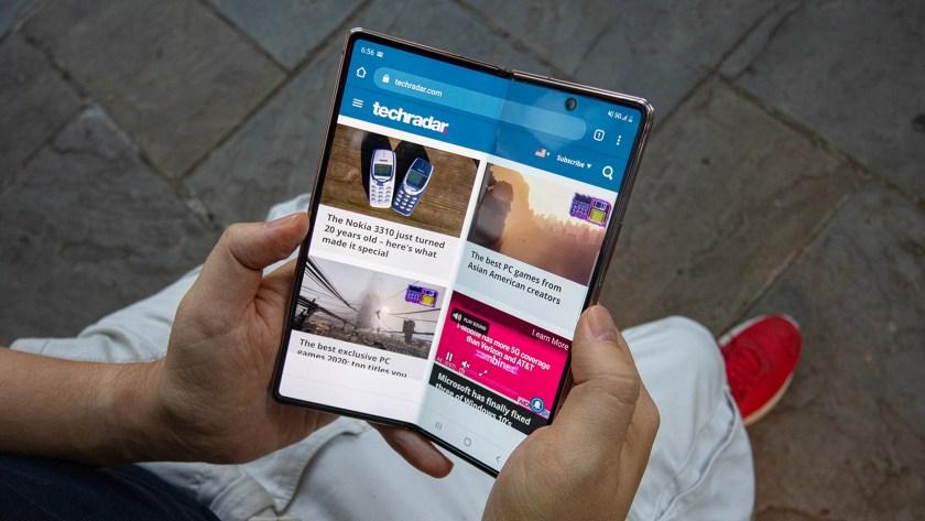 Samsung-Galaxy-Z-Fold-3-concept-blog-view