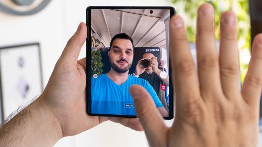 Samsung-Galaxy-Z-Fold-3-concept-camera-quality