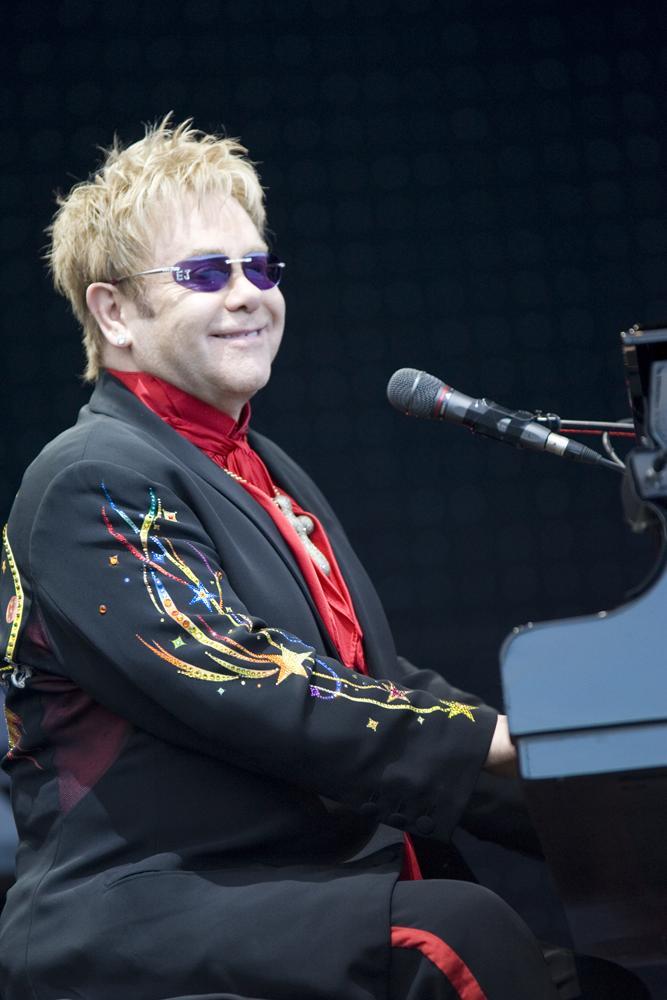 Elton John  figura musical de reconocimiento mundial (5/6)