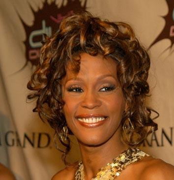 Whitney Houston de Diva de los escenarios al fracaso desde los infiernos  (1/6)
