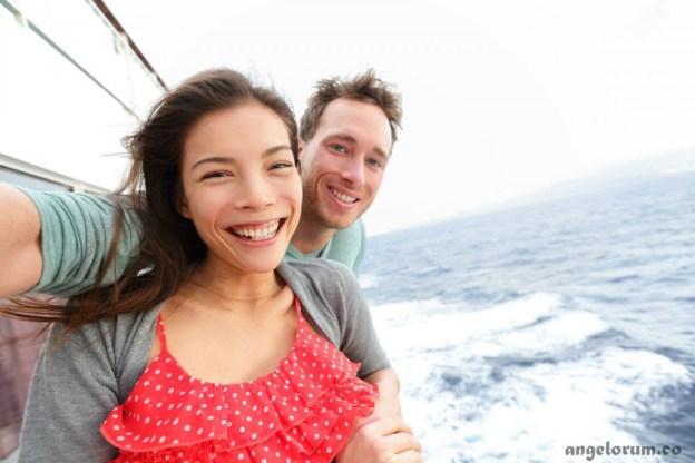 couple on ship