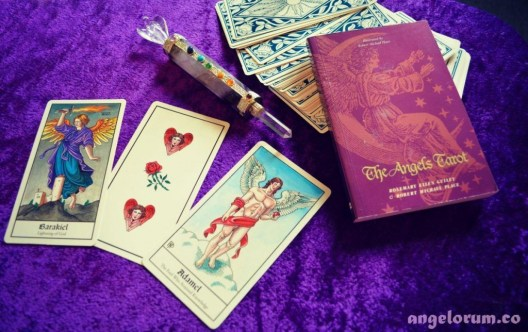 Review of the Angels Tarot by Robert Place