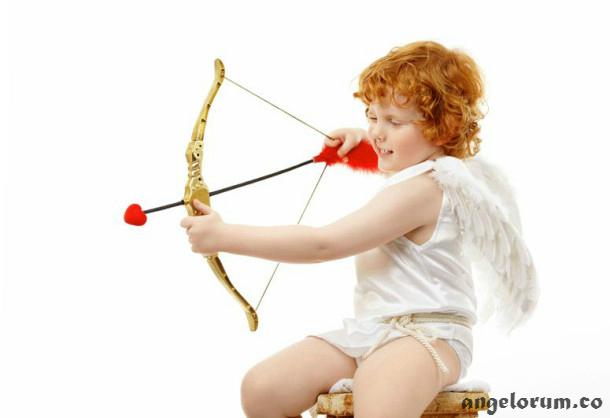 Cupid's Arrow Love Tarot Spread