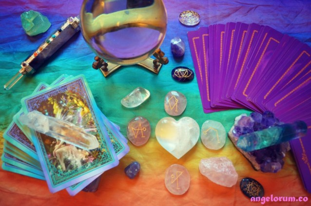 Tarot and Crystals Together