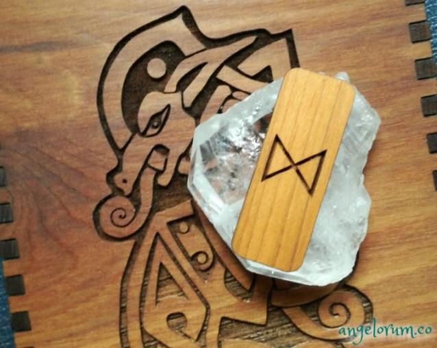holistic rune meanings and correspondences for the elder futhark rune dagaz