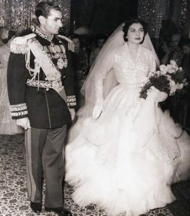 1951-teheran-iran-carrying-a-bouquet-of-carnations-newlywed-soraya-isfandiari-19-poses-with-her-husband-the-shah-of-iran da/from www.corbis.com