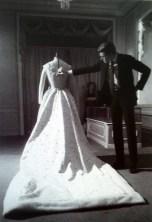 "Yves Saint Laurent and a wedding dress. da/from ""Moda. Il secolo degli stilisti"" Charlotte Seeling, 2000"