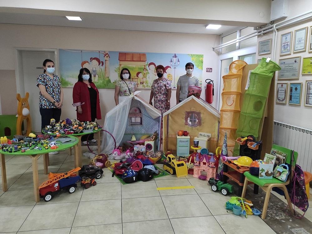 Донација на играчки од наш поранешен воспитаник