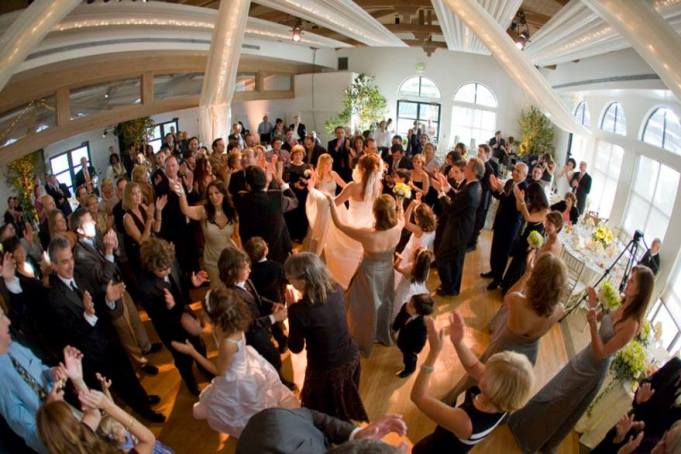 Angels Music Israeli Wedding DJ services, Bar Mitzvah DJ, Bat Mitzvah DJ, Best Israeli DJ in Los Angeles
