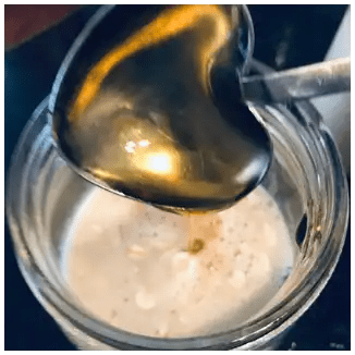 honey in overnight oats