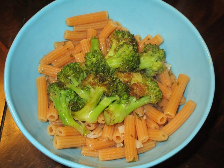 close up broccoli on pasta
