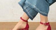 靴下コーデで今すぐ履ける!今季絶対欲しい3大トレンドサンダルは?