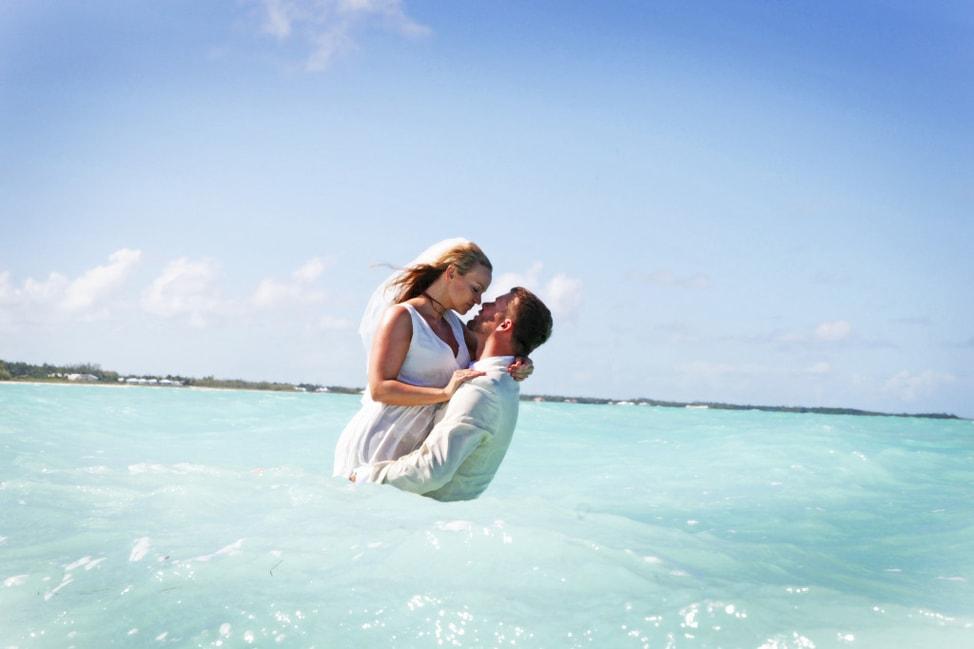underwater-wedding-photos-16