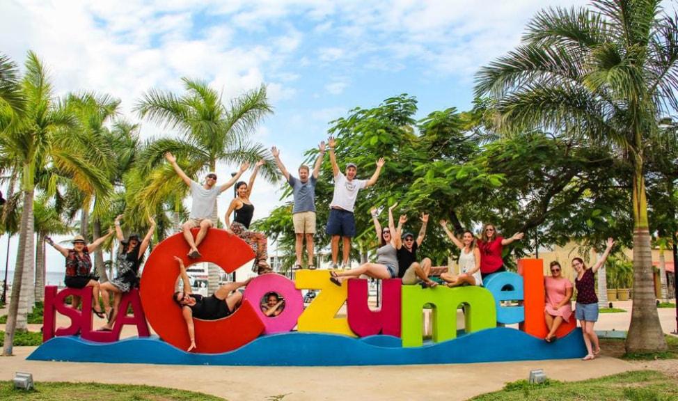 Cancun-Travelocity-Gnomads