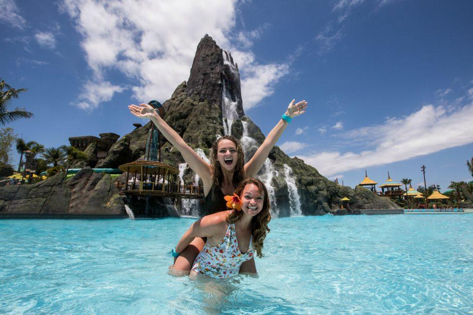 Volcano Bay - The Jet Sisters - Angie Away - Universal Orlando