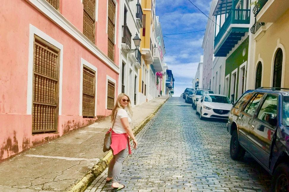 Windstar-Angie-Away-Old-San-Juan-min