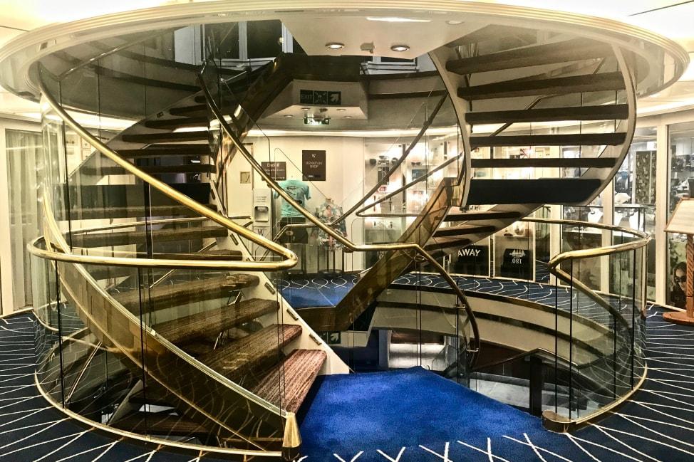 Windstar-Star-Pride-Staircase-min