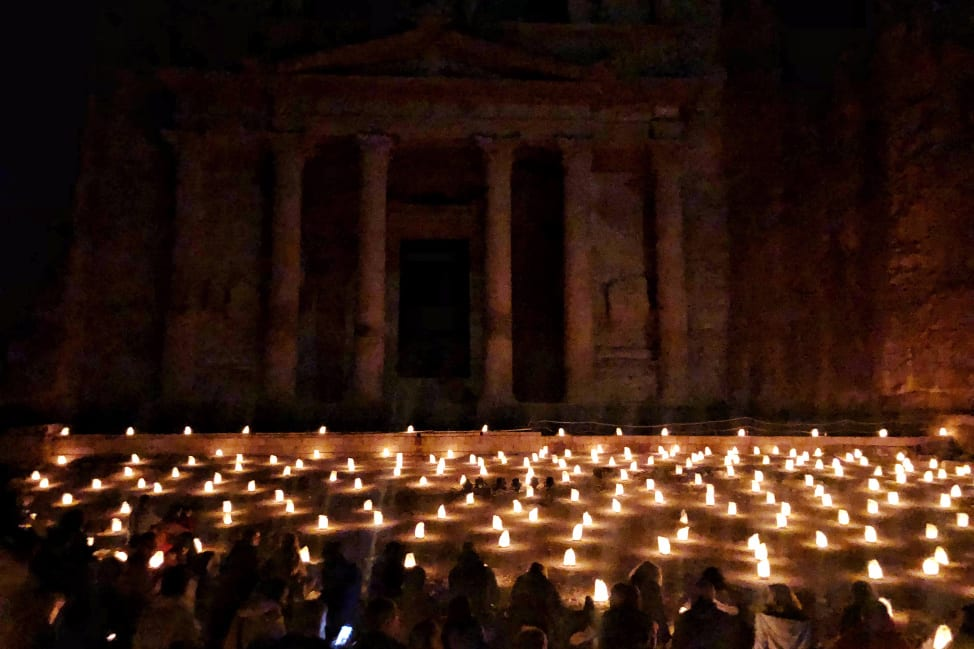 Looking for things to do in Petra? Check out Petra by night!