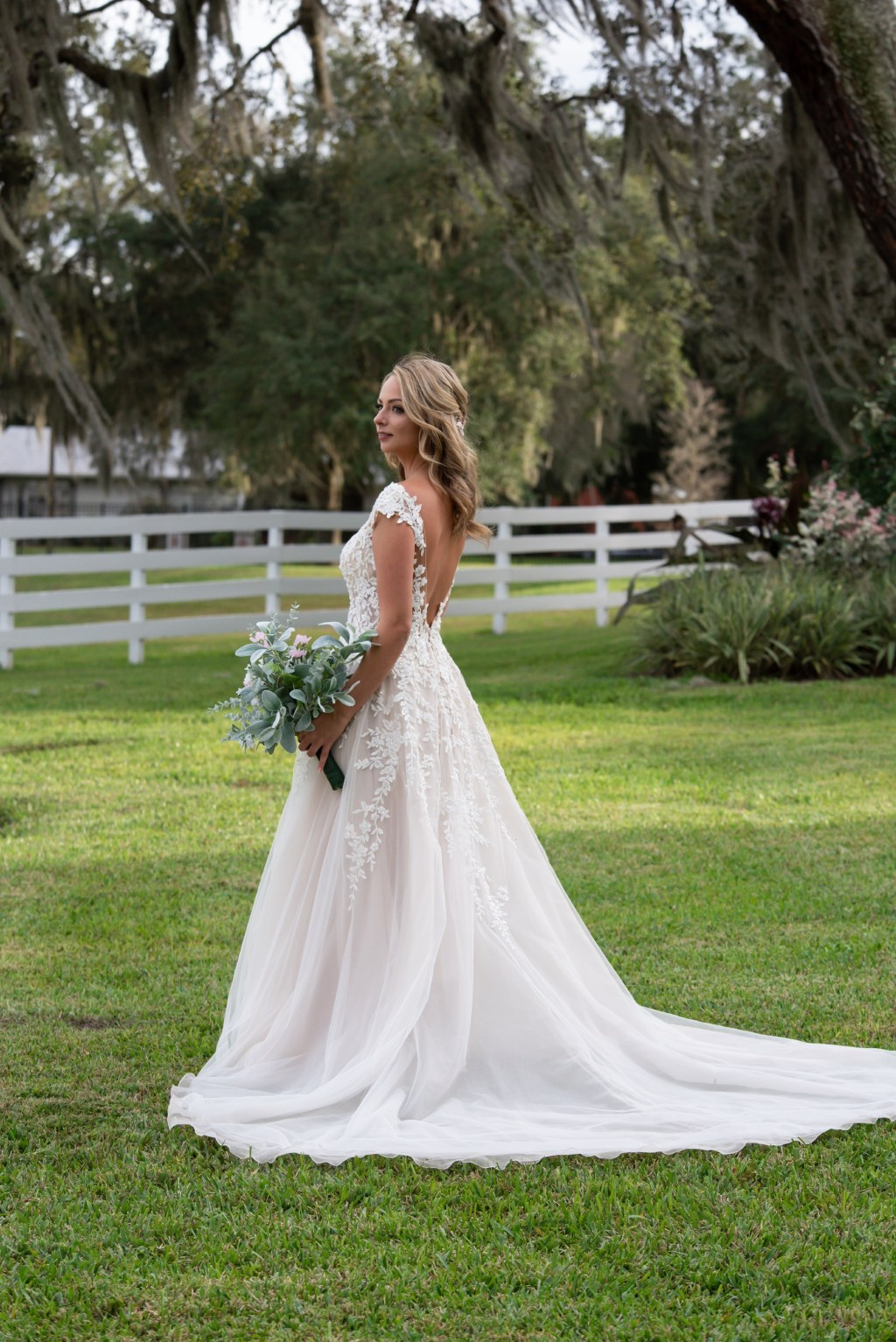 Gorgeous wedding dress for Florida wedding