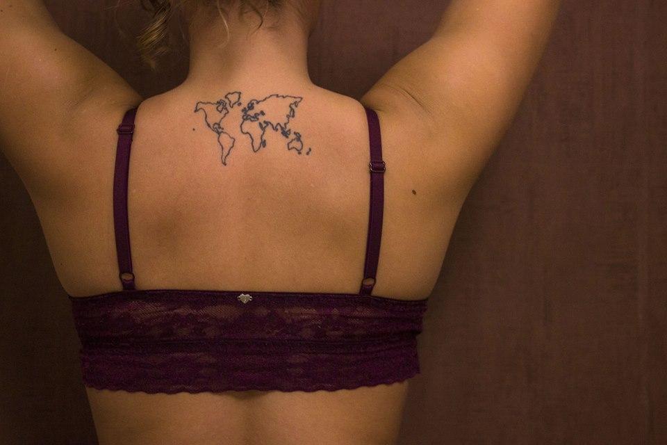 Mon tatouage world map dans le dos