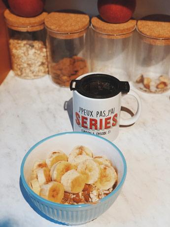 Du porridge et de la banane au petit déjeuner pour bien commencer la journée