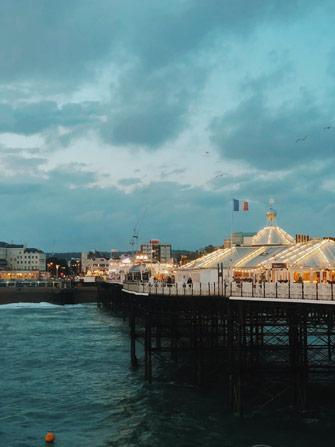 Vue sur Brighton depuis le Palace Pier